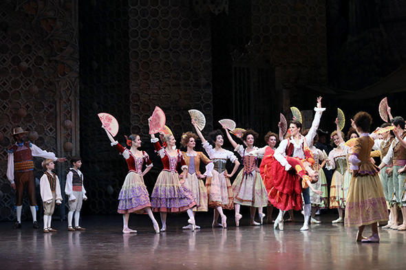 「ドン・キホーテ」photo Svetlana Loboff/ Opéra national de Paris