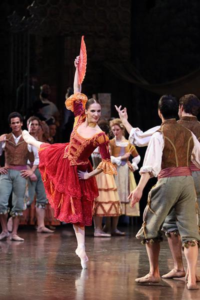 『ドン・キホーテ』 photo Svetlana Loboff / Opéra national de Paris