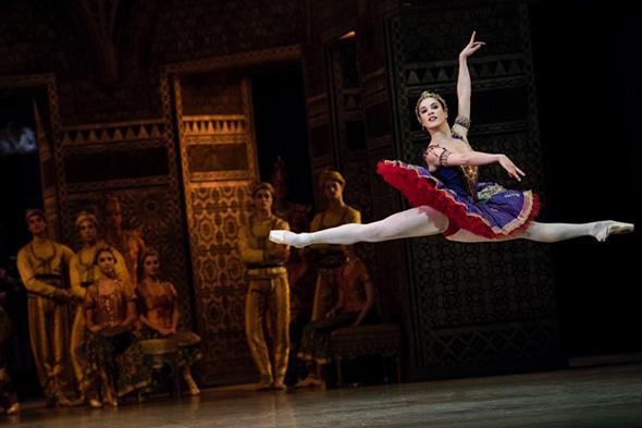 「ラ・バヤデール」 photo Little Shao/ Opéra national de Paris