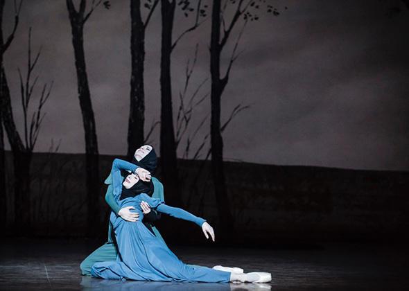パリ・オペラ座バレエ団 『オネーギン』 (C) Opéra national de Paris/ Julien Benhamou