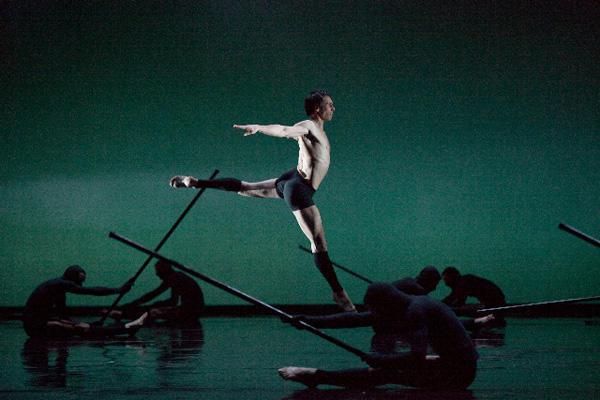 『シッダールタ』 ニコラ・ル・リッシュ (C)Anne Deniau/Opéra national de Paris