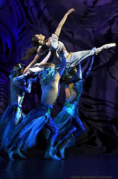 シャンゼリゼ歌劇場 「アルミードの館」 ※当日の公演ではありません