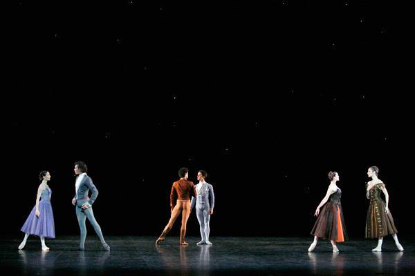 パリ国立オペラ座バレエ団『イン・ザ・ナイト』 (C)Sébastien Mathé/Opéra natianal de Paris