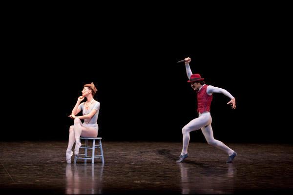 パリ国立オペラ座バレエ団『コンサート』   ベアトリス・マルテル アレッシオ・カルボーネ (C)Sébastien Mathé/Opéra natianal de Paris