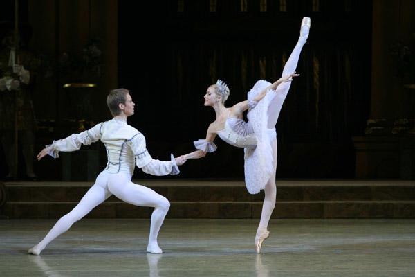 マリインスキー・バレエ「眠れる森の美女」 アリーナ・ソーモワ&レオニード・サラファーノフ (C)Natasha Razina