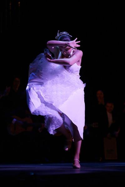 ARTE Y SOLERA 鍵田真由美・佐藤浩希フラメンコ舞踊団 『愛こそすべて』撮影/川島浩之