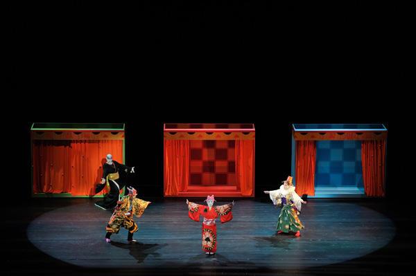 「日本舞踊×オーケストラ-伝統の競演-」 『ペトルーシュカ』(c)青柳聡 写真提供:東京文化会館