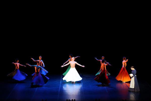 「ライト」photo: Kiyonori Hasegawa