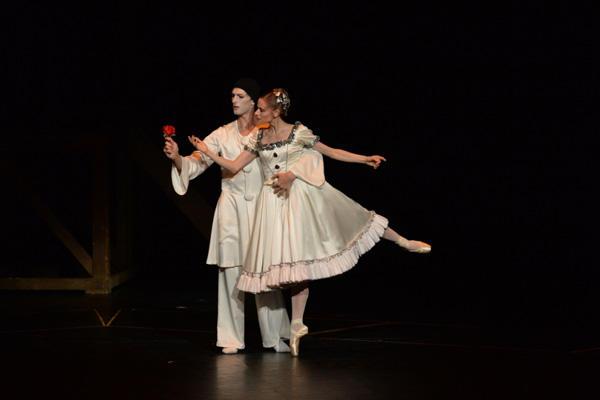 パリ・オペラ座バレエ団『天井桟敷の人々』 photo/瀬戸秀美(撮影はゲネプロより)