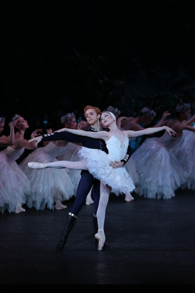 英国ロイヤル・バレエ団「白鳥の湖」 photo:Kiyonori Hasegawa