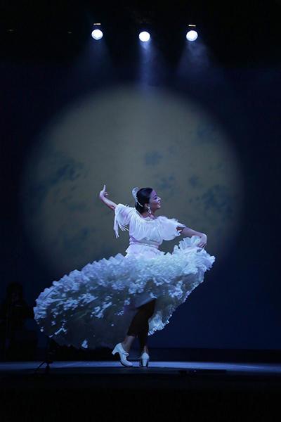 石井智子スペイン舞踊団「月よ、月よのロマンセ」