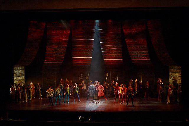 東京シティ・バレエ団『ロミオとジュリエット』撮影:鹿摩隆司