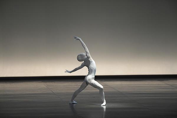 NHKバレエの饗宴2015 Noism1 「supernova」 井関佐和子 撮影/瀬戸秀美