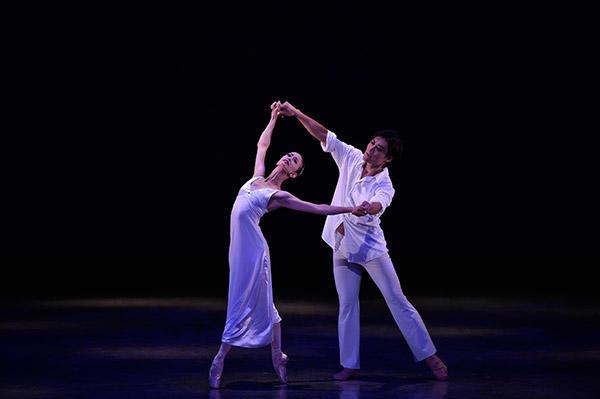 吉田都×堀内元 Ballet for the Future『Le Reve』森ティファニー、岡田兼宜 撮影/瀬戸秀美