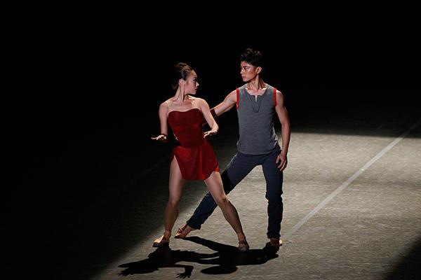 吉田都×堀内元 Ballet for the Future『Pandora's Box』荒井茜、上村崇人 撮影/瀬戸秀美