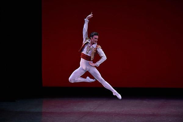 吉田都×堀内元 Ballet for the Future『ドン・キホーテ』ジャレッド・マシューズ 撮影/瀬戸秀美