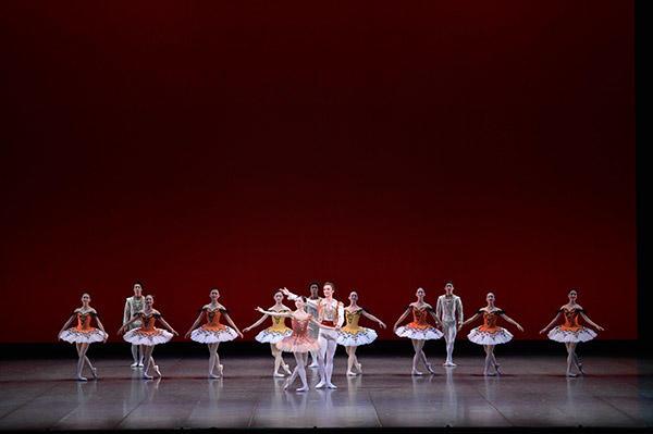 吉田都×堀内元 Ballet for the Future『ドン・キホーテ』加治屋百合子、ジャレッド・マシューズ 撮影/瀬戸秀美
