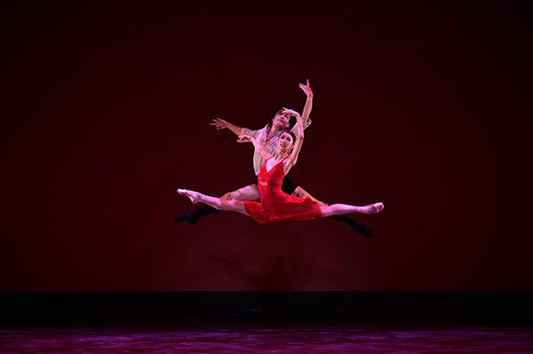 吉田都×堀内元 Ballet for the Future『La Vie』飯島望未、岡田兼宜 撮影/瀬戸秀美