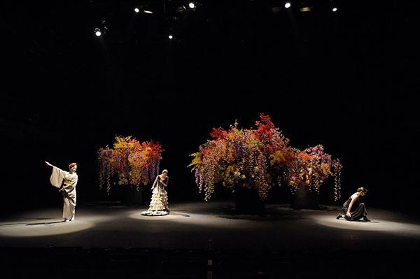 「近松の女」オープニング 撮影/鹿摩隆司