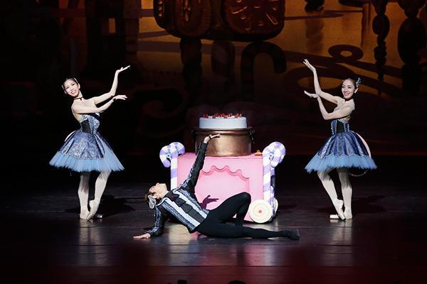 NBAバレエ団『くるみ割り人形』ラタトゥイユ 撮影/吉川幸次郎