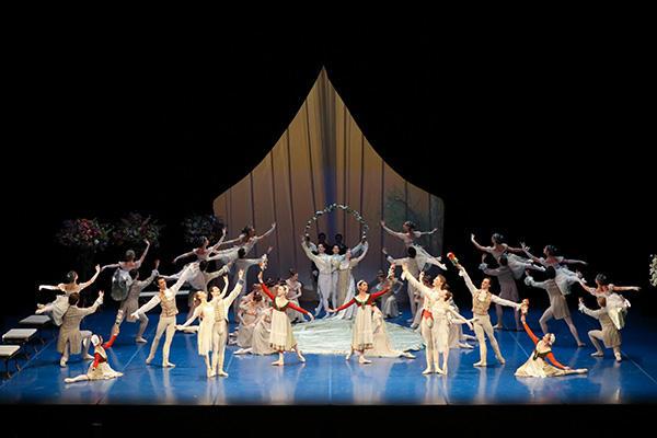 ハンブルク・バレエ団『真夏の夜の夢』撮影:長谷川 清徳