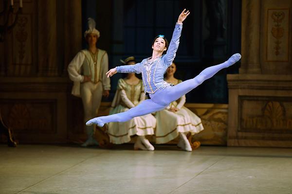 「Ballet Princess 〜バレエの世界のお姫様たち〜」 ニ山治雄 撮影/瀬戸秀美