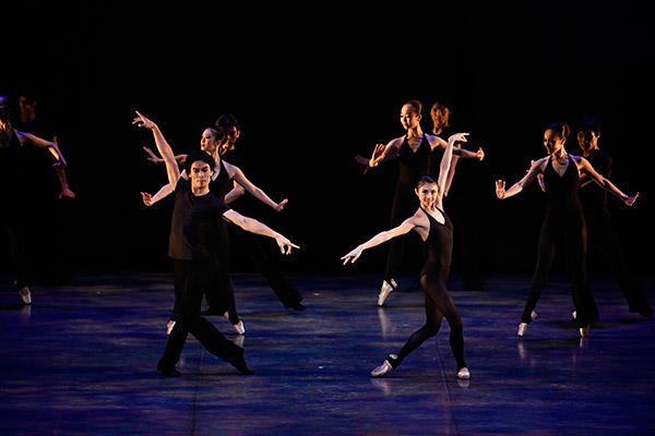 吉田都×堀内元 Ballet for the Future 2016 『More Morra』撮影:瀬戸秀美