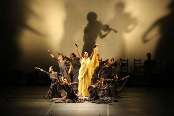 「千のバイオリン」撮影:川島浩之