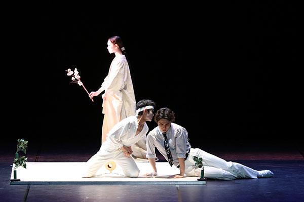東京バレエ団「ザ・カブキ」Photo Kiyonori Hasegawa