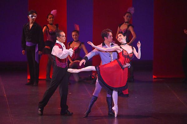 「Ballet クレアシオン」バレエ協会『ホフマンの恋』 堀登、浅田良和、酒井はな(左から) 撮影/根本浩太郎 スタッフ・テス