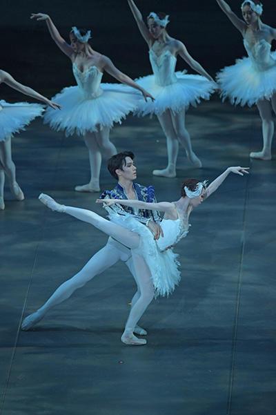 東京シティ・バレエ団『白鳥の湖』