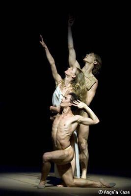 ノイマイヤー振付『ヨゼフの伝説』 天使はヨゼフを新しい旅へと誘う